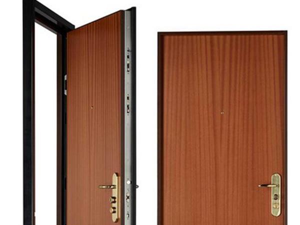 Les portes blind es dans la maison b ton d sactiv plancher modern - Porte d entree blindee ...